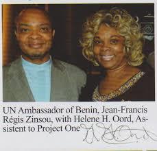 Helene foto met Ambassador Benin naamloos