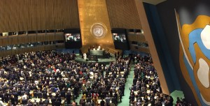 Pope-Francis-enters-the-UN-General-Assembly
